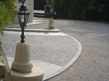 Kurija - kamene svjetiljke (2)