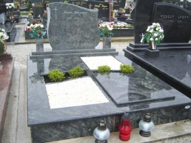 Nadgrobni spomenici (113)