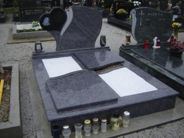 Nadgrobni spomenici (115)