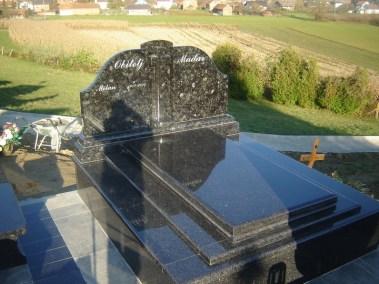 Nadgrobni spomenici (148)