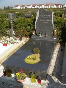 Nadgrobni spomenici (59)