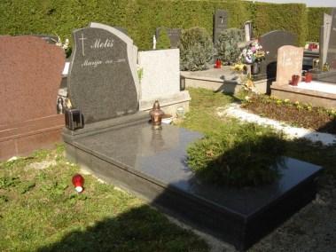 Nadgrobni spomenici (60)