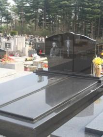 Nadgrobni spomenici (95)