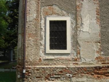 Sakralni objekti - kameni okviri prozora, portala i kuteva (3)