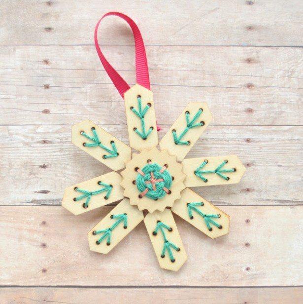 diy-snowflake-embroidery-ornaments