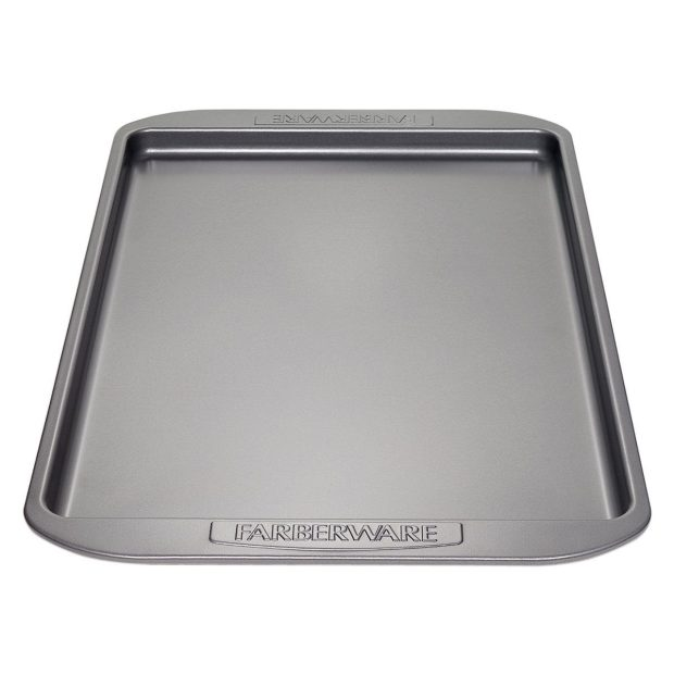 Farberware Nonstick Bakeware 11-by-17-Inch Cookie Pan Just $5.99! (reg. $20)