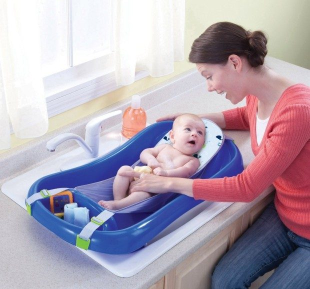 Deluxe Newborn To Toddler Tub Only $16.73! (Reg. $22)