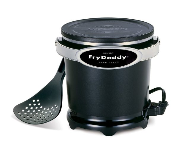 Presto FryDaddy Electric Deep Fryer Only $20.93!  (Reg. $30)