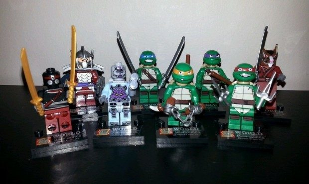 Set Of 8 Teenage Mutant Ninja Turtles Minifigures Only $9.67 + FREE Shipping!