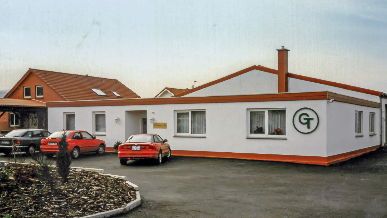 Umzug in den neu errichteten Firmensitz in Langenholzhausen