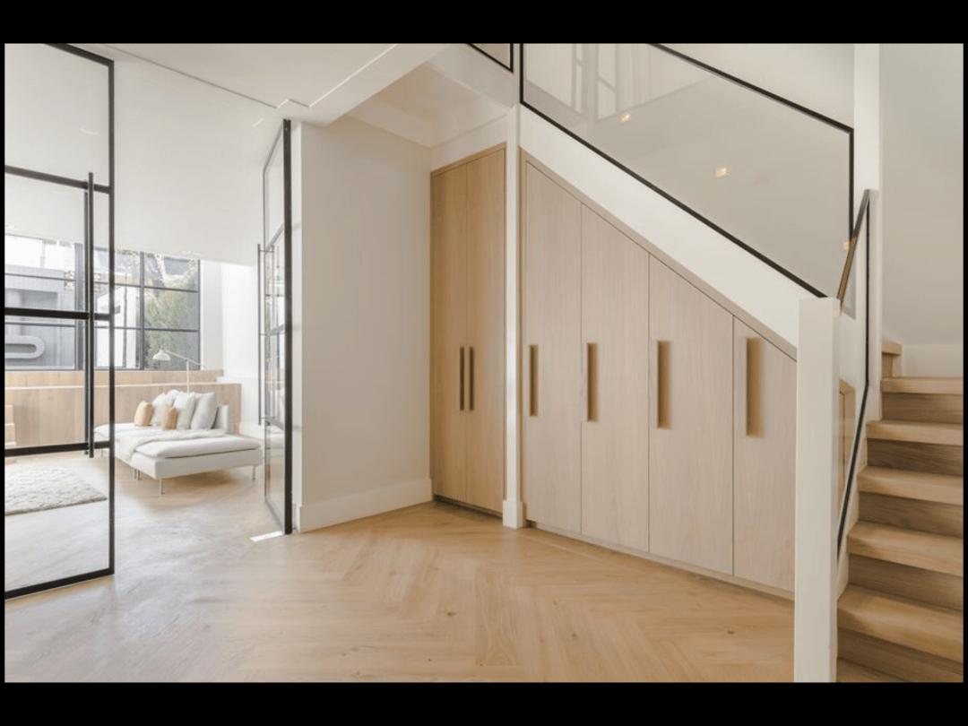 Maatwerk trapkast door GrootS Interieur