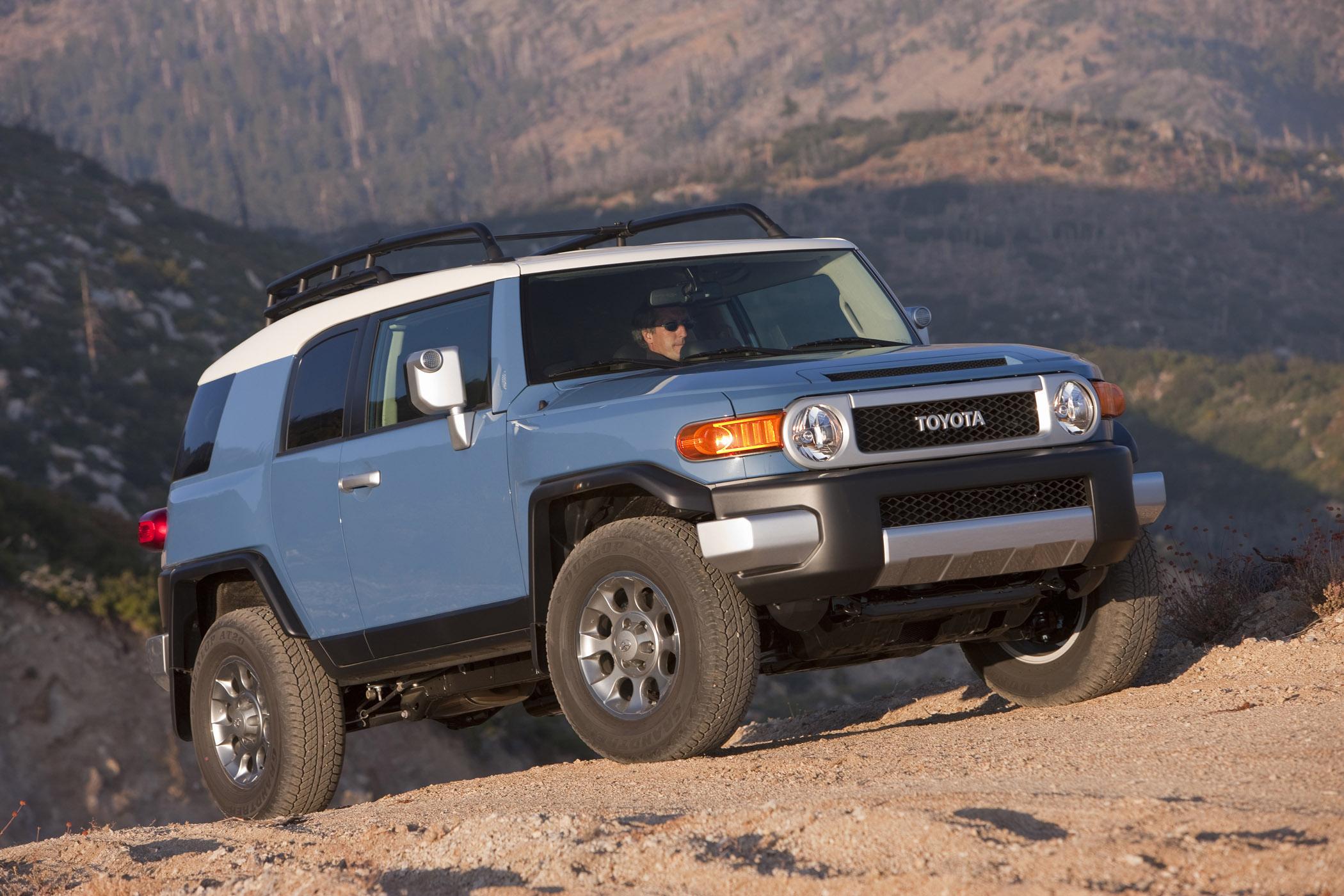 Toyota FJ Cruiser Built for f Road Mud Seekers Bonus Wheels