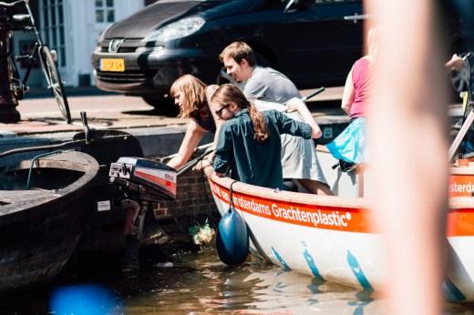 ECOVER   Plastic Fishing in Amsterdam   Plastic Whale   Het Grachtenhuis   Foto: Franzi Schädel   GROSS∆RTIG