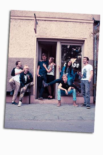 Das Team von Rotholz | SUNA | Kollektion 2016 | Rotholz Clothing aus Potsdam | Illustration: Rotholz Clothing | GROSS∆RTIG