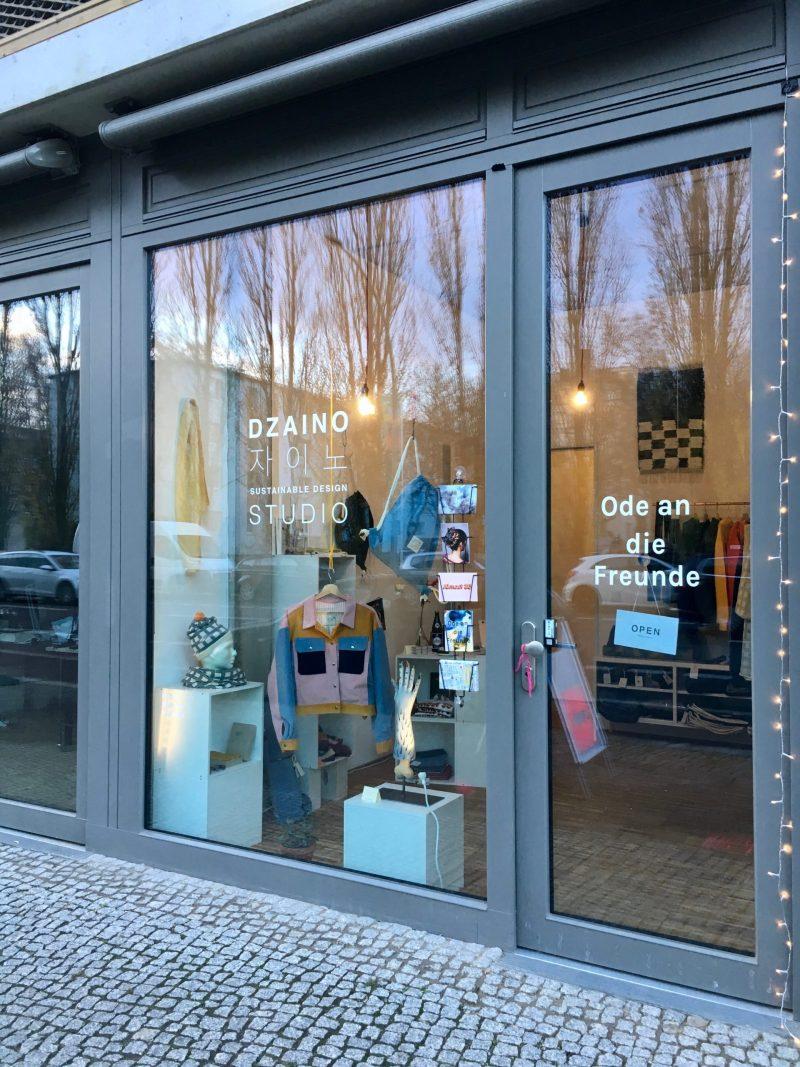 """Dzaino Pop-Up-Shop """"Ode an die Freude"""" – Weihnachtsgeschenke kaufen und eigene Sache reparieren – Foto: Dzaino"""