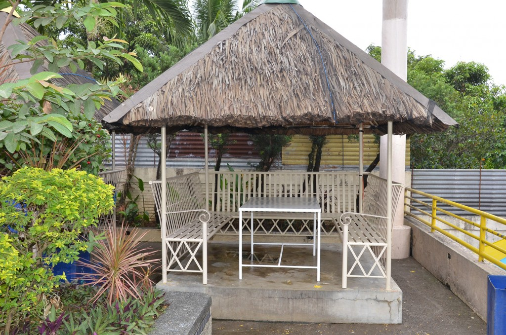 Modern bahay kubo design for Nipa hut interior designs