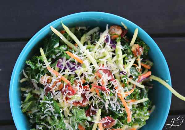 This healthy and easy salad is the perfect addition to any meal! Clean eating and gluten-free can be delicious! This salad is packed with whole foods such as kale, broccoli, pecans, and turkey bacon. Perfect as a light lunch or even a meatless Monday dinner option! This is the best kale and broccoli slaw combination yet! https://www.groundedandsurrounded.com/recipe/kale-and-broccoli-slaw-salad/ ‎