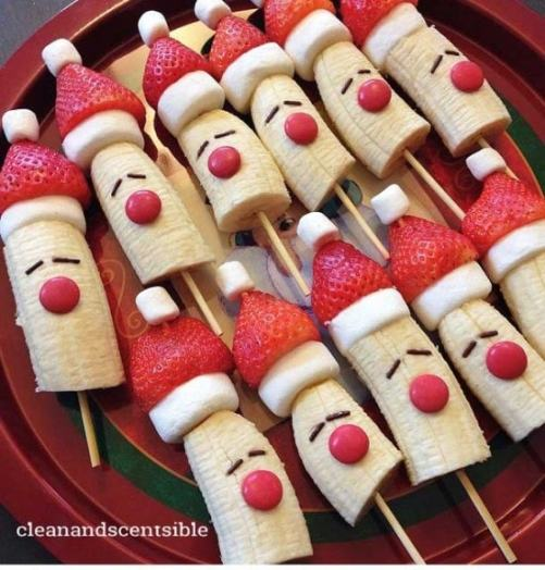 banana-and-strawberry-santas-550x575