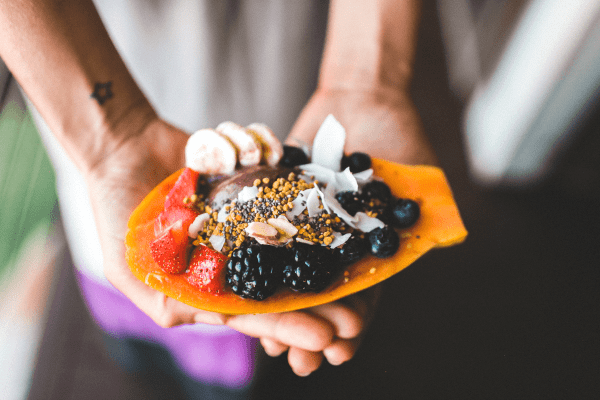 Can a Poor Diet Betray Your Skin? | Do you know the four main culprits of bad skin? Did you know they all have to do with what we eat? Find the best natural tips and DIY products to reduce acne, anti aging, dark spots, and redness. You will also learn what foods to eat and which foods to avoid to maintain a beautiful face. Whole Foods|Gluten|Alcohol|Dairy|Tumeric|Kimchi| Fermented Foods|Charcoal|Probiotics|Homemade