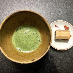 "Matcha tea and ""Monaka"" sweet"