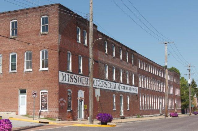 Washington, MO historic building corn cob pipe factory and museum