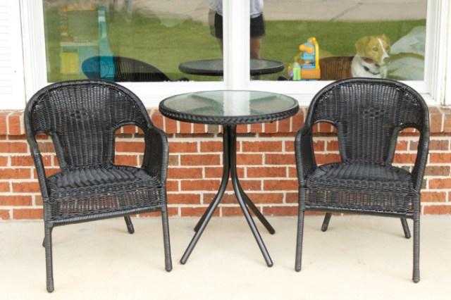Wicker patio chairs spray painting DIY porch decor