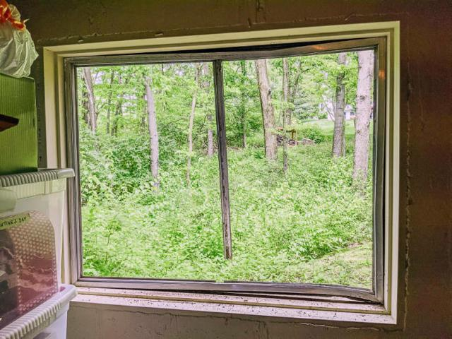 Removing old window panes and metal frame