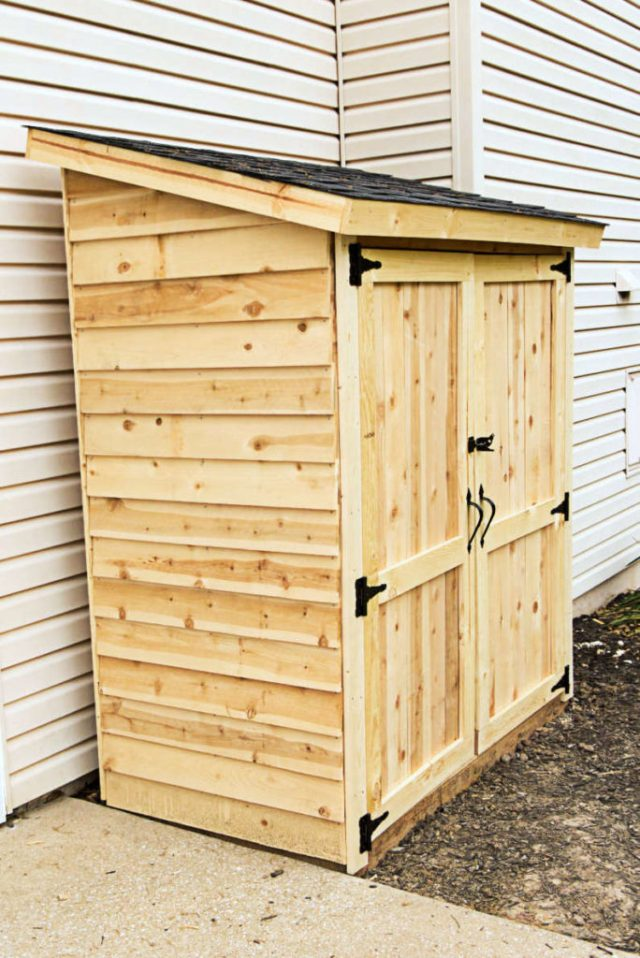 Mini shed completed, side angle