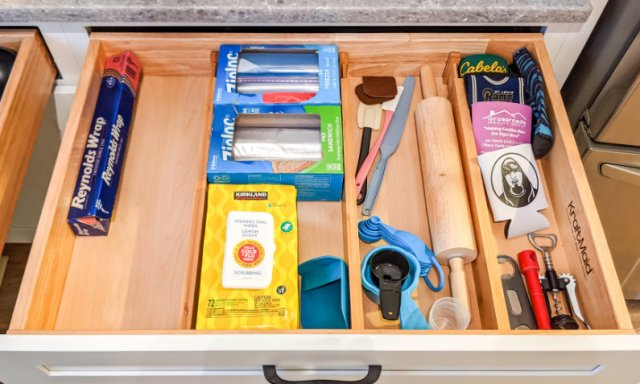 Amazon Finds Drawer dividers organizers spring loaded Durawe kitchen bamboo organizing