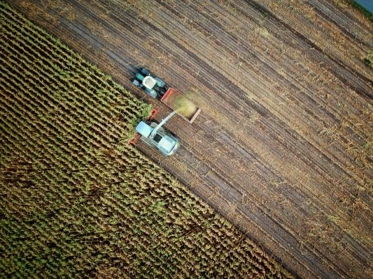 agriculture-tractor-harvest