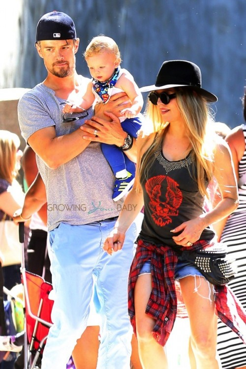 Fergie and Josh Duhamel Take Axl To The Zoo!