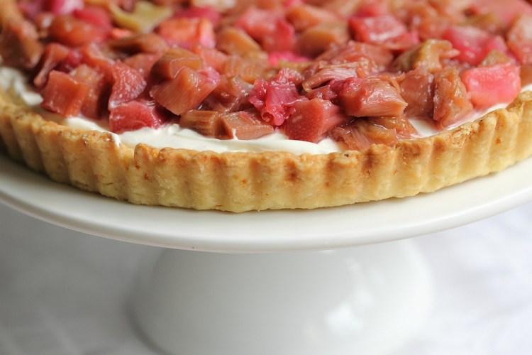 Rhubarb cream cheese tart