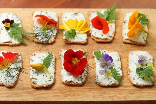 Edible flower canapés