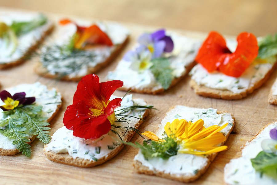Edible flower canap s grown to cook for Canape garnishes