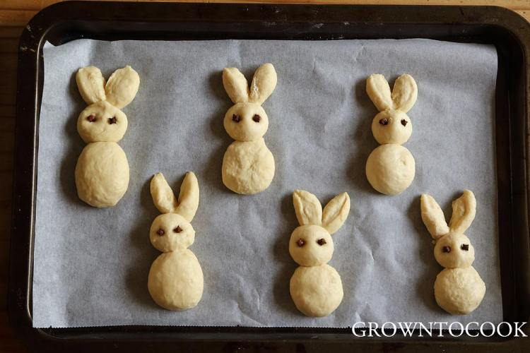 easter bunny rolls rising