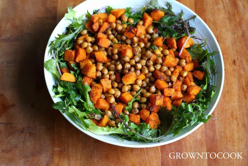 Spiced chickpeas and roasted winter squash salad