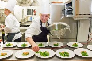 Unterrichtung nach dem Gaststättengesetz und Grundlagenschulung zur Lebensmittelsicherheit in Schwerin @ IHK zu Schwerin  | Schwerin | Mecklenburg-Vorpommern | Deutschland