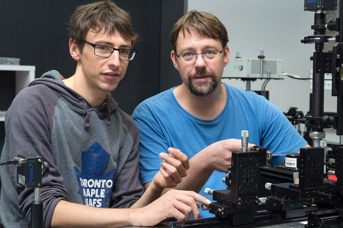 Rostocker Physiker erforscht Festkörperoptik und erhält Preis