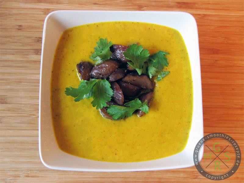 Yammie - Die pikante Senf-Curry-Suppe mit Maronen-Koriander-Topping. Lasst es euch gut schmecken :)