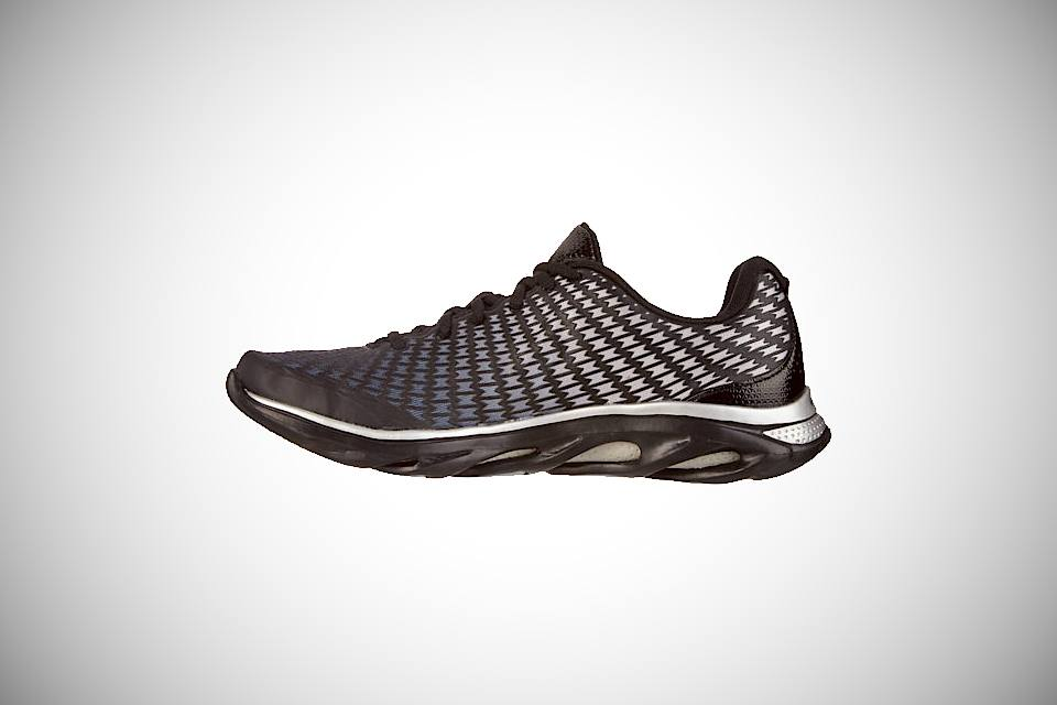 under-armour-spine-clutch-instep