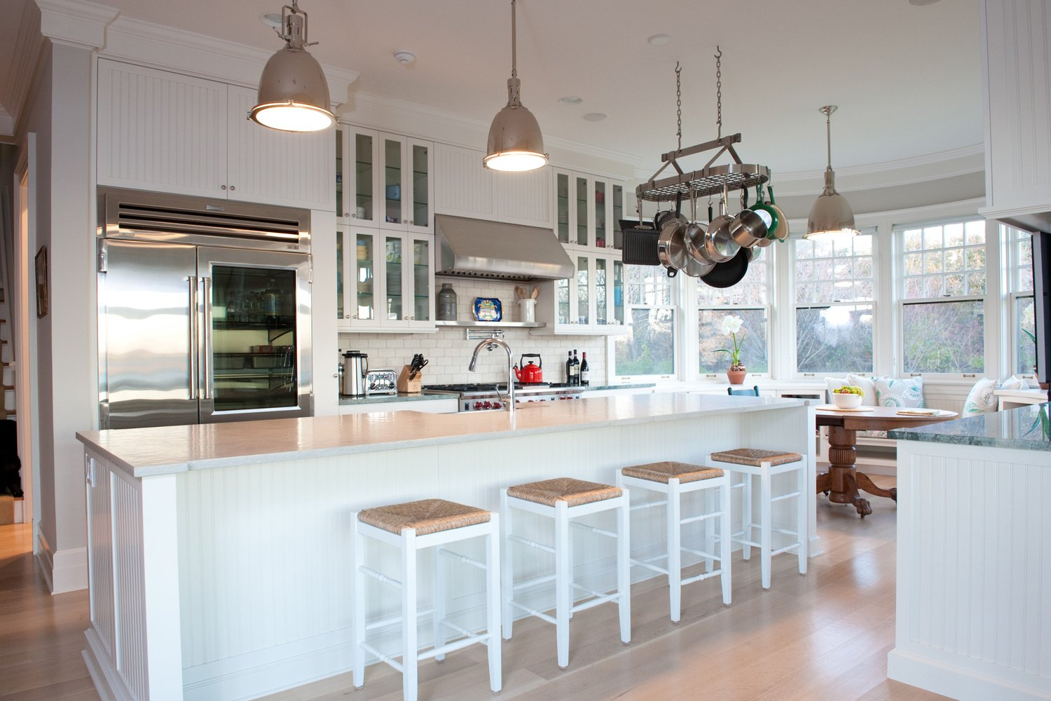 how to style a seaside kitchen