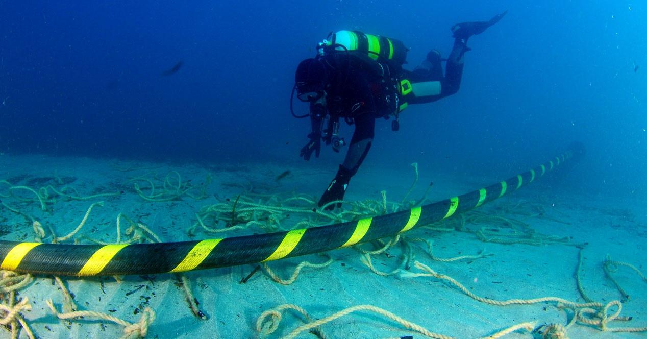 Todos Los Cables Submarinos Que Conectan Al Mundo, En Un Mapa Interactivo