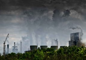 Poluição causa mais mortes prematuras que conflitos armados MidiaGEO