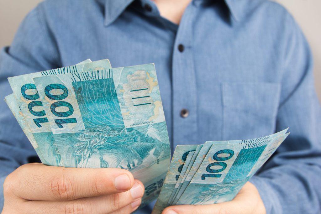 Adiantamento de recebíveis é ótima alternativa para honrar o 13º salário