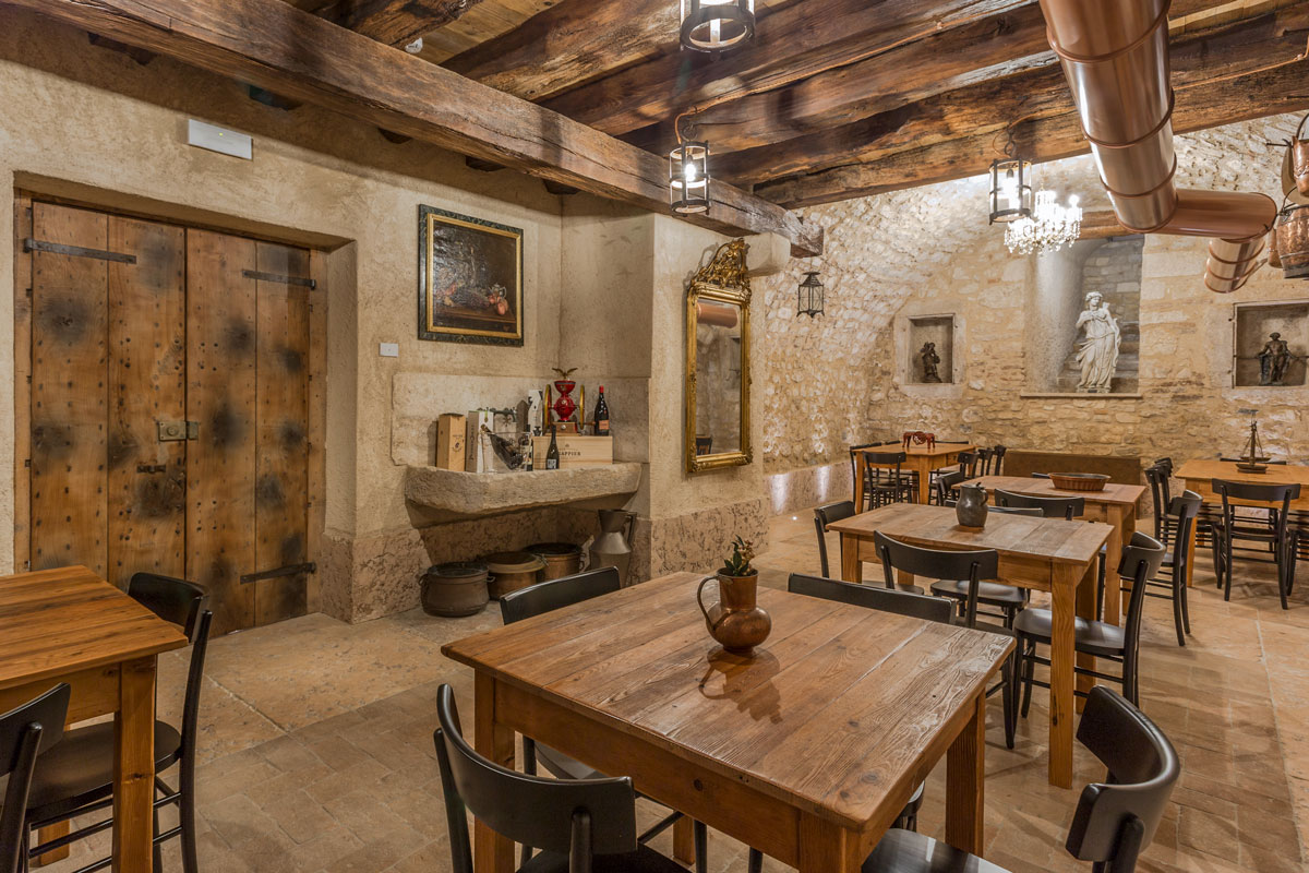 Immagine di bar gelateria frisullo, torre san giovanni: Bars Restaurants Tailor Made Furnishing Gruppo 5 Made In Italy Design