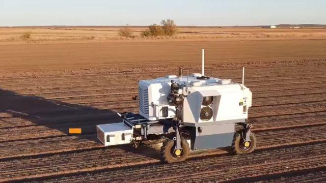 Zabójcze lasery - robot likwiduje 100 tys. chwastów na godzinę - ilustracja #1