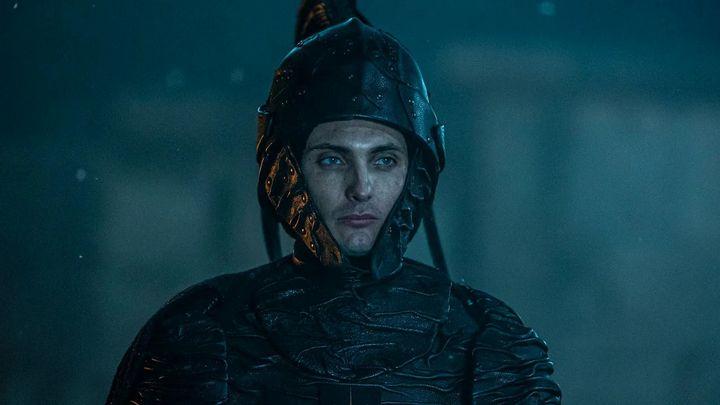 Neue Fotos vom Set von Netflix The Witcher.  Cahir hat eine Metamorphose durchgemacht