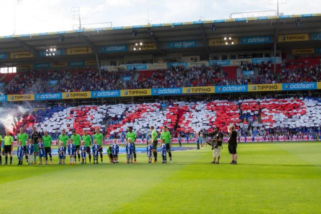 Jubileumskamp i 2013 mot Sarpsborg og massiv konfetti av klubbens logo. Vålerenga vinner 5-3. Se flere bilder fra kampen her.