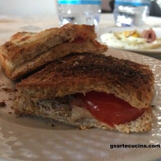 Egg and wholemeal sandwich