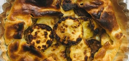 Torta di pasta sfoglia con zucchine fritte